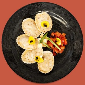 Pasta Fresca de Lino Rellena de Longaniza, Manzana y Curry - Libertina