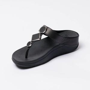Sandalia Negra con Decoración