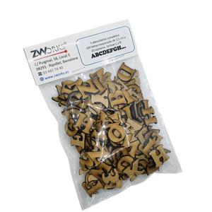 Pack 5 alfabetos completos, 140 letras en mayúsculas de 1,5cm y 20 números.Incluye Ç y Ñ. De 1,5 cm de altura