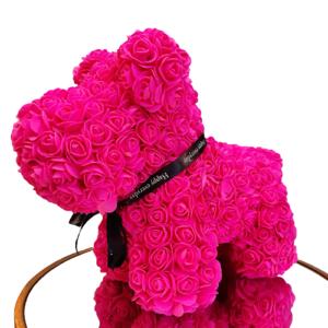 Perrito de rosas de foam