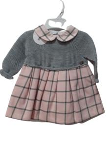 Vestido rosa y gris recién nacida