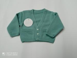 Chaqueta punto bebé color verde