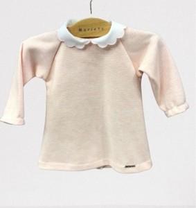 Vestido para bebé de punto a rayas rosas.