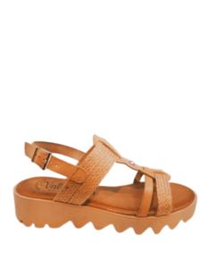 Sandalia de piel y rafia