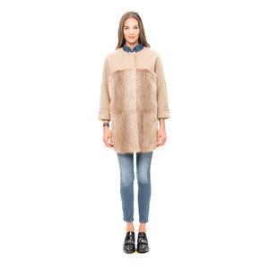 Abrigo de nutria y lana