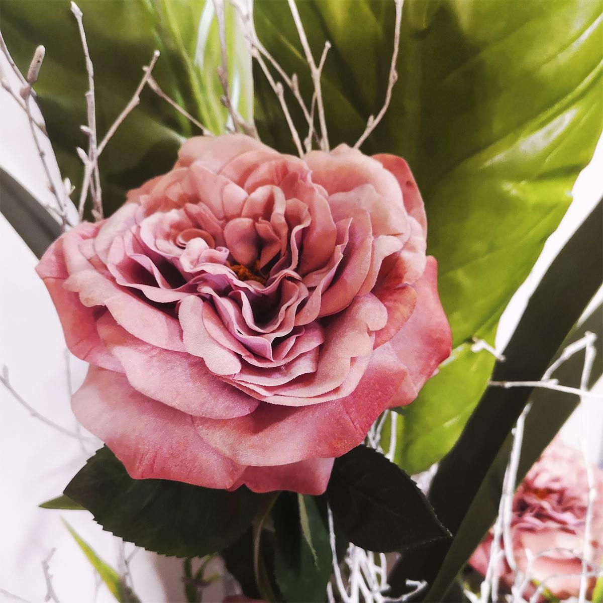 Centro madera y rosas vintage.