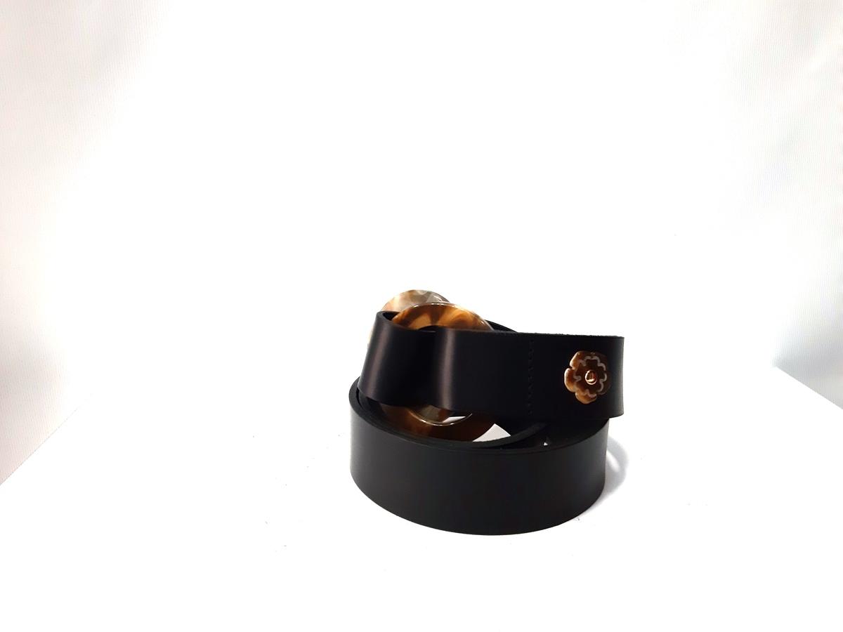Cinturón negro hebilla redonda