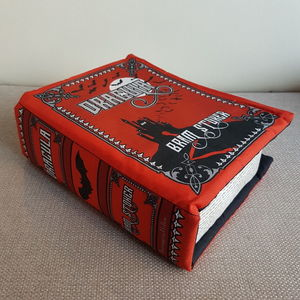 Pillow Books by Shanon Lewis: Dracula