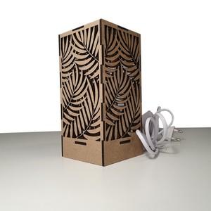 Lámpara de diseño decorativa. Modelo 'Palmera'