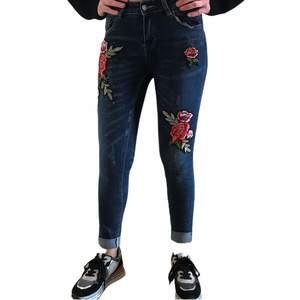 Pantalón Jeans Bordado