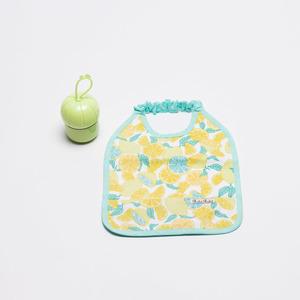 Babero estampado limones