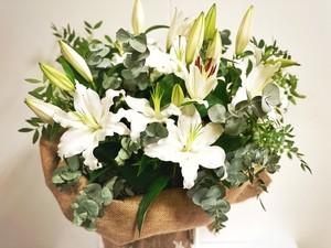 Ramo Lilium Oriental blanco