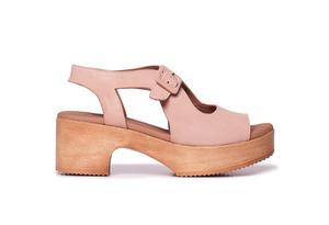 Sandalias de plataforma cómoda AMAN Nude