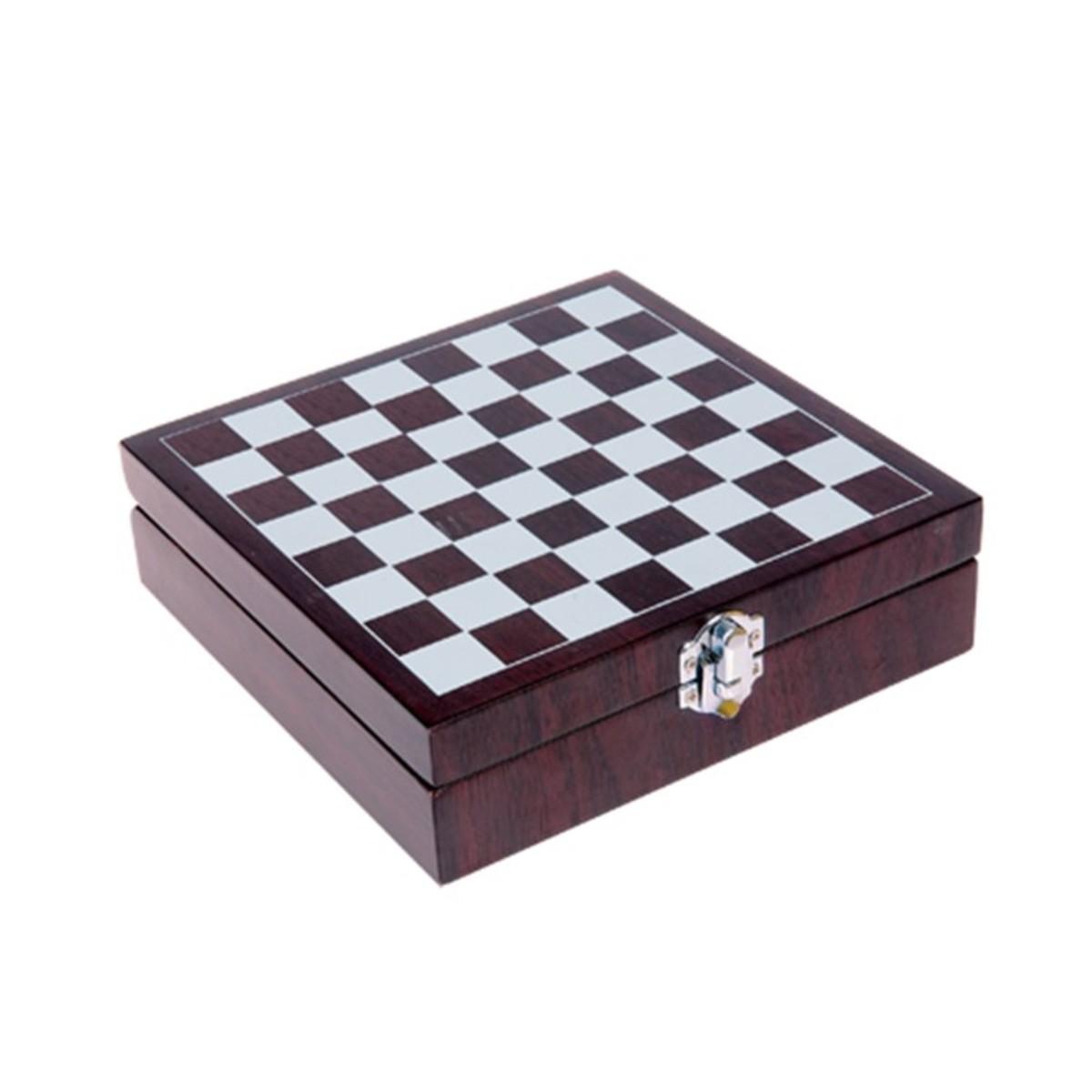 Ajedrez de diseño en caja de madera
