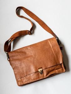 Cartera portadocumentos marrón  de cuero